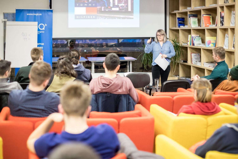 Karin Kniez - mentorka InQb